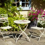 Leisuregrow Claremont 60cm Round Bistro Set